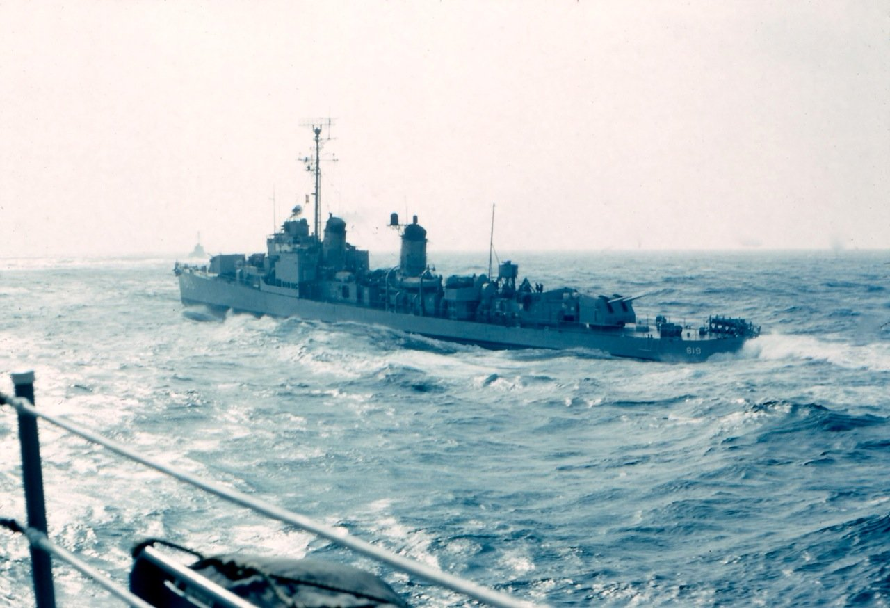 Photo - DD-819 From USS New in convoy 1962 -