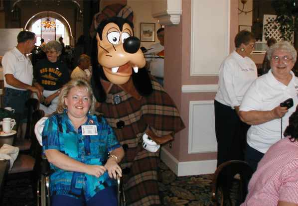 Photo - Sherrie and Goofy